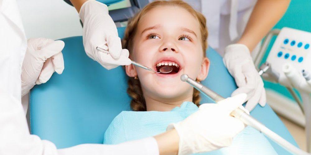 El mejor amigo de la boca de nuestros hijos, el dentista